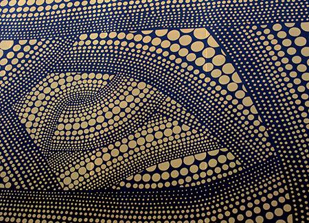 Obra de Yayoi Kusama donde se crean direcciones con puntos