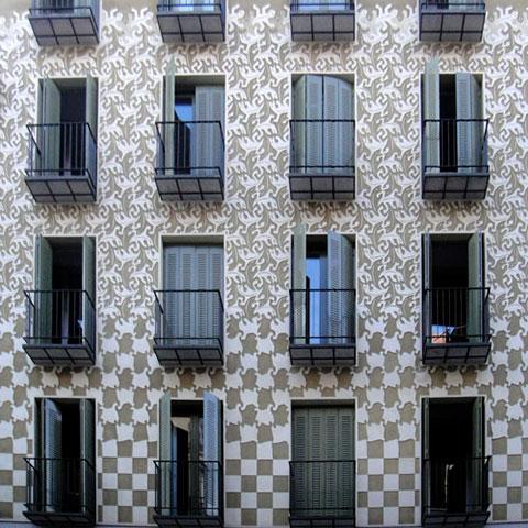 Modificación del módulo en fachada de edificio.